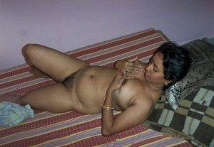 desi bhabhi naked boobs pic