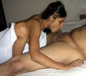 hot indian girl sucking pic