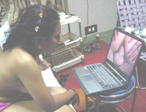 indian aunty watching desi porn