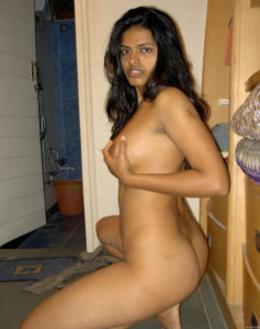 indian babe hot naked pose