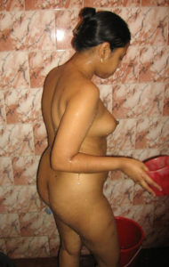 xxx bhabhi nude bath