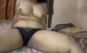 bhabhi boobs desi nude pic