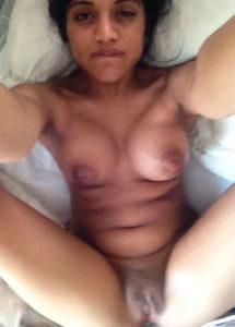 arousing Indian aunties desi full nude