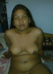 desi aunty nipples horny