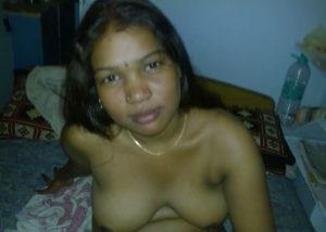 desi aunty nipples indian
