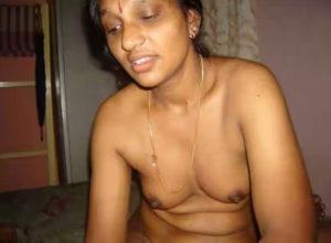 desi aunty nipples naked photo