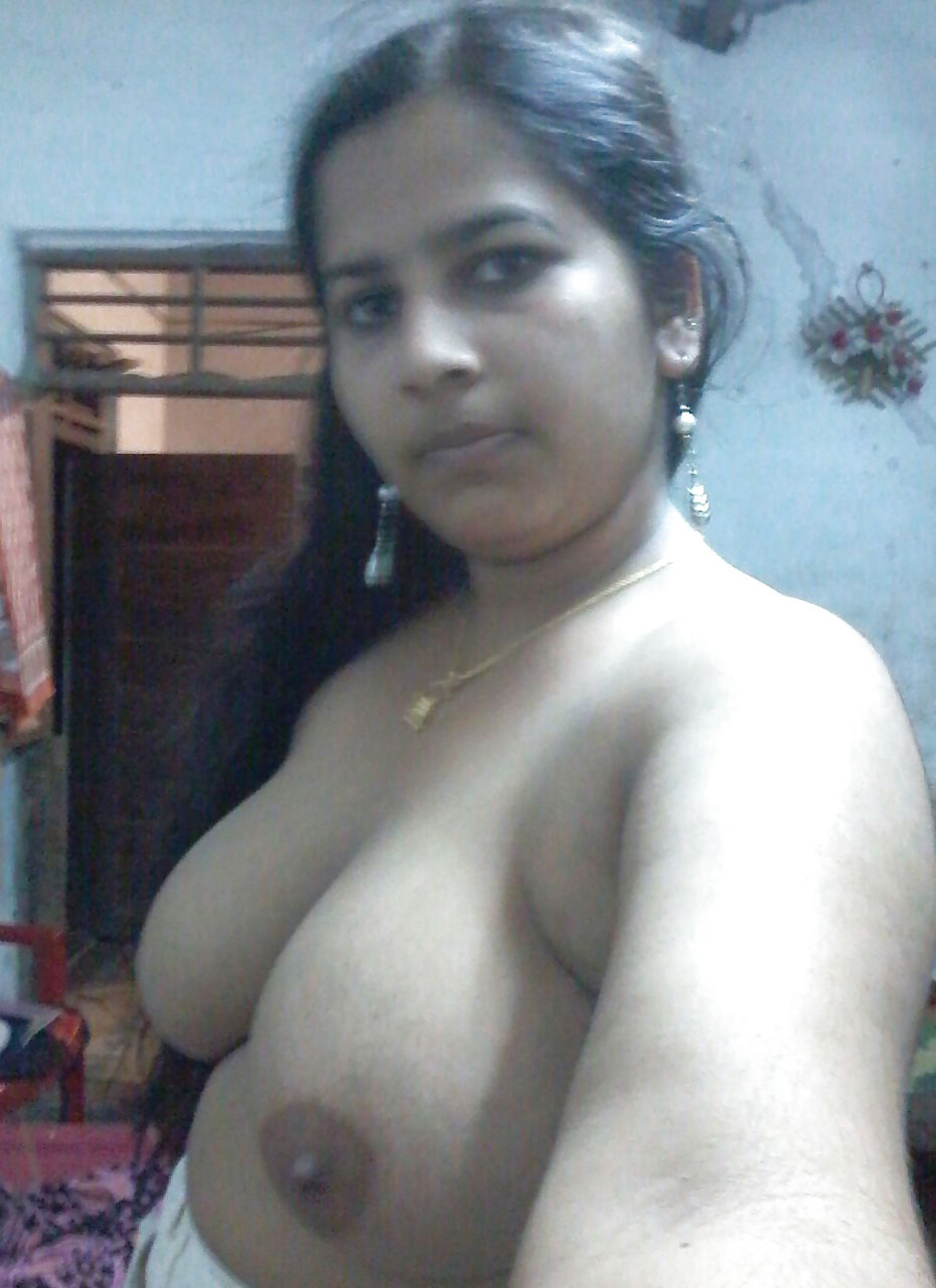 nude boobs Aunty