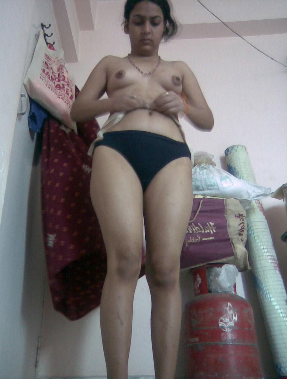 ESTELA: Desi famous nude pic