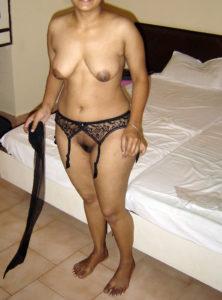 full nude busty bhabhi