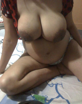 huge desi indian naked boobs