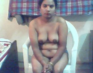 nude indian aunty nipple