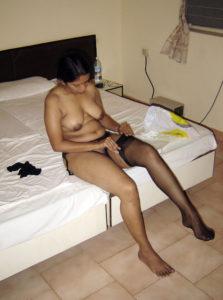 sexy naked desi bhabhi