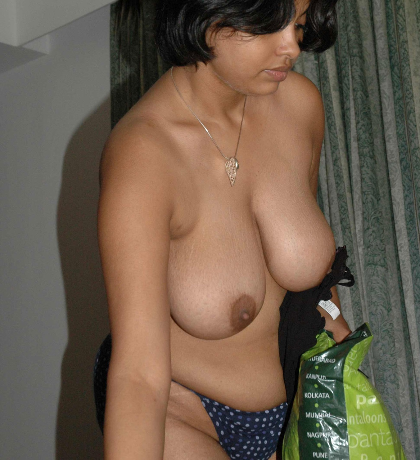 boobs aunty Kolkata nude