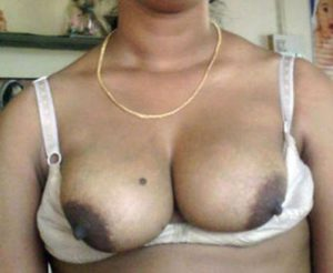 desi boobs nude photo