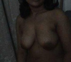 desi naked boobs pic