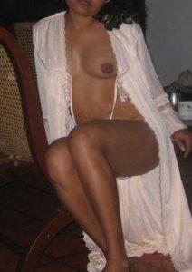 desi nude photo