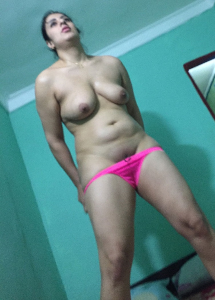 Can not panties nude milf removing did