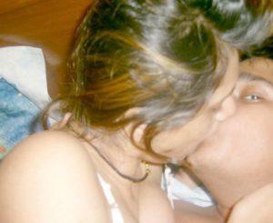 indian couple kiss xx