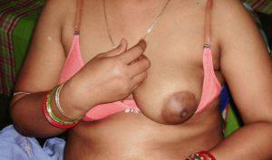milky aunty big hard titts