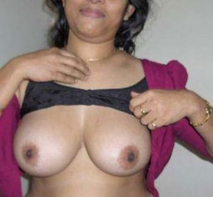 naked bhabhi big tasty boobs