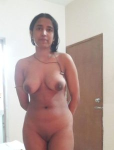 naked boobs hot girl