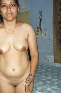 naked horny bhabhi pic