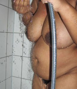nude aunty enjoy shower