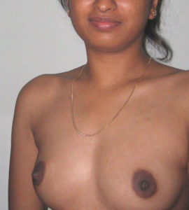 sexy bhabhi small boobs