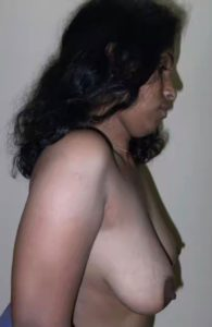 side pose boobs bhabhi