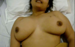 tasty boobs desi bhabhi