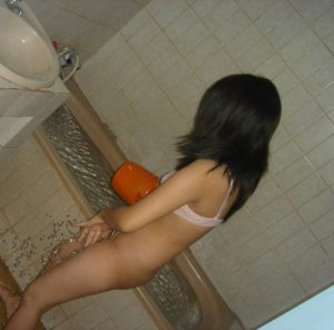 teen indian bath pic