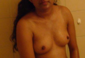 bhabhi hot nude pic