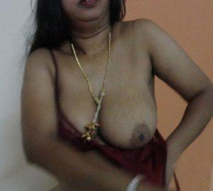 bhabhi naked boobs xx horny