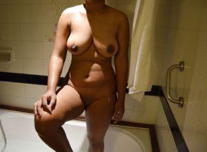 bhabhi naked hot boobs