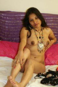 Desi Aunty nude full hot