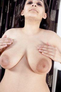 Desi Bhabhi hot milky tits