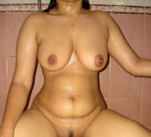 Desi Hot Babes full nude tits n pussy