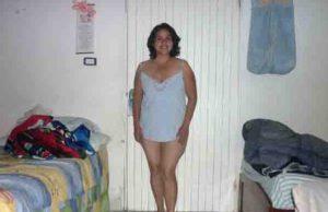 amateur desi aunty removing cloths xxx pic