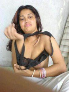 amateur desi aunty stripping bra xxx mast boobs pic
