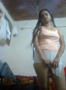 amateur desi aunty stripping nude