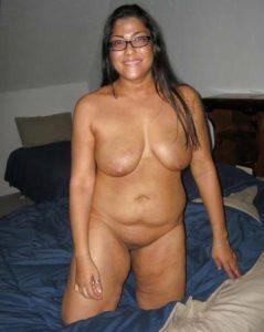 amateur thick bhabhi showing shaved pussy big chuchi image