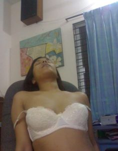beautiful desi girl naked pic