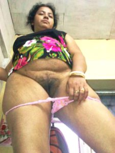 desi bhabhi removing panty showing hairy pussy