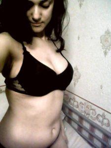 desi indian girl black bikini pics