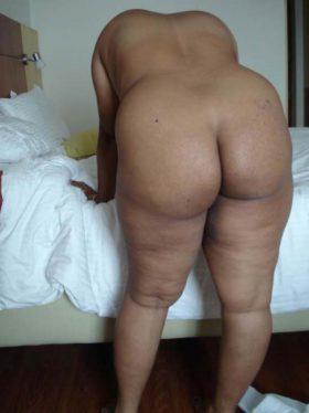 horny desi bhabhi big ass moti gand photo