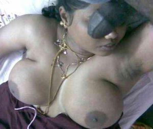 horny indian naked bhabhi sucking cock