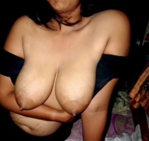 sexy hot desi bhabhi huge boobs