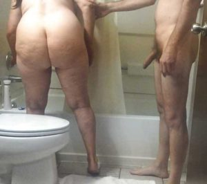 Amateur Aunty big round ass in bathroom nude