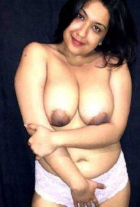 Desi Aunty big and curvy nude
