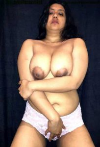 Desi Aunty hot chubby big boobs